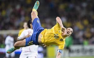 Zlatan bezig aan zijn mooiste en knapste goal, die tegen Engeland